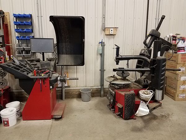 tire machine located at Wolf's Auto and Truck repair